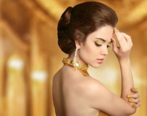 Cocoage Beauty - 5 Ways Gold Cosmetics Can Make You More Beautiful
